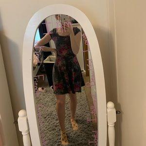 American Eagle gray floral skater dress